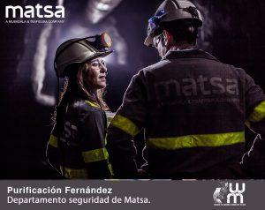 Purificación Fernandez conversando en el trabajo en el Interior de una mina